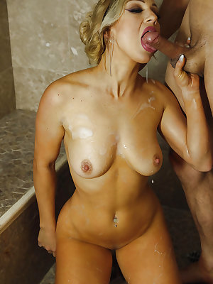 Stunning MILF with big tits enjoys pussy licking and hot shagging in a shower