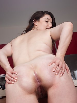 Maxine Holloway is a sexy curvy babe that has the prettiest hairy pussy. She loves to take off her pretty lingerie, so she can rub on and tug on her hairy pussy lips. Maxine is so hot and sexy.