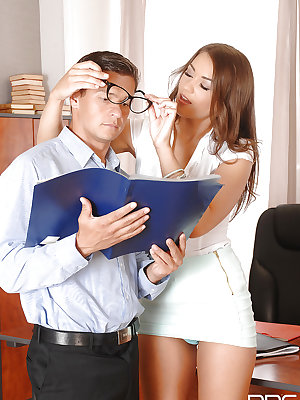 Hot secretary Savannah Secret seducing her boss in his office