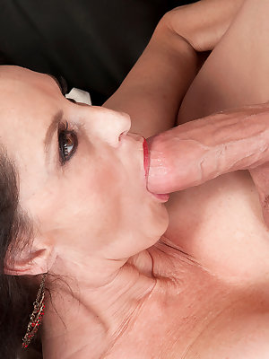 Rita Daniels wants this young dick into her mature pussy and ass