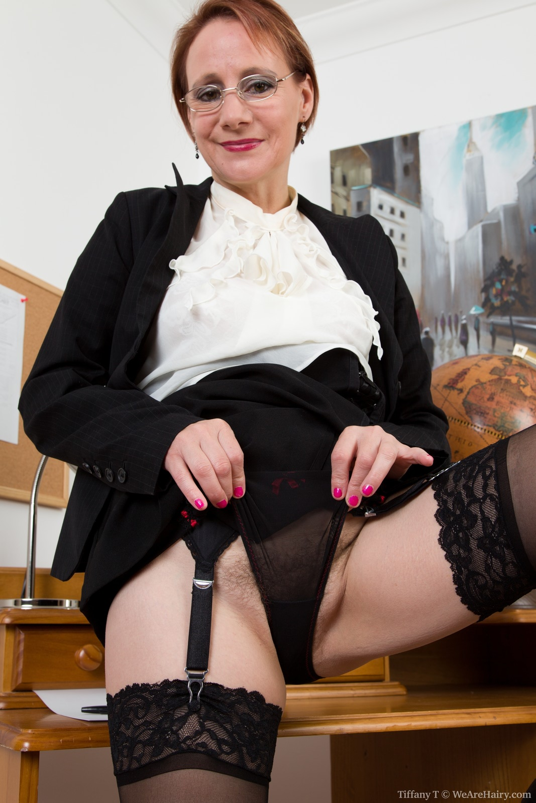 mature hairy pussy in the office